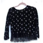 Pull&Bear S:M Black Top with White Floral Print and Lace Hem